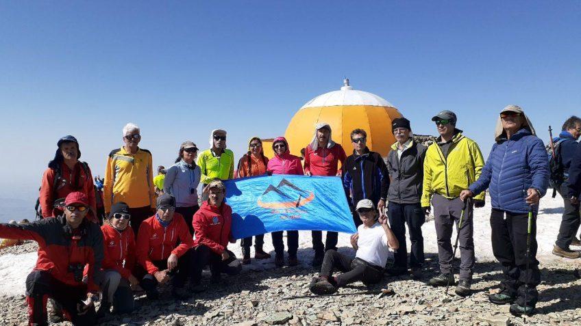 صعود شبانه به قله توچال