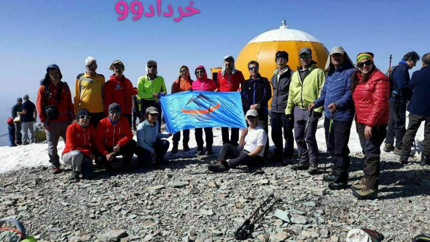 صعود شبانه همنوردان کانون کوه به قله توچال