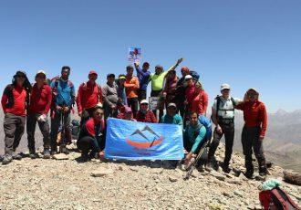 صعود همنوردان کانون کوه به قله منار