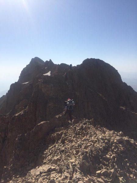 قله انگمار یک